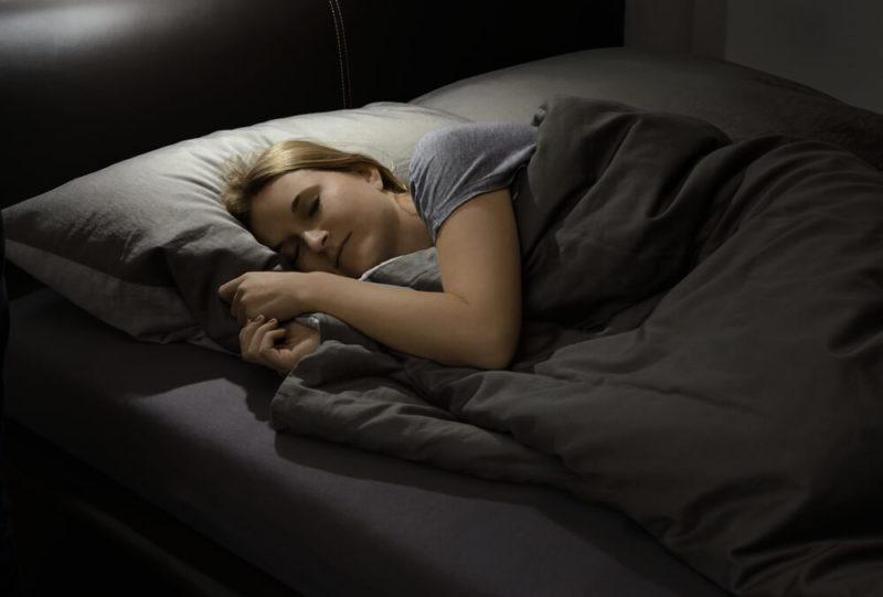 寝るときに補正下着は必要?